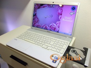 Sony VAIO i3/4GB/320Hdd/1GB Grafika !