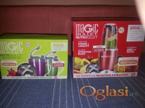 Crveni Nutribullet i accessory kit