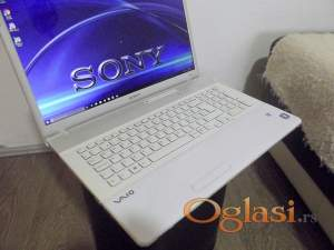 "Sony VAIO 17,3"" Full HD i5/4GB/500hdd/1GB Grafika"